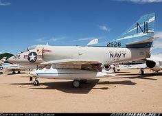 Douglas A-4B Skyhawk (A4D-2) aircraft picture