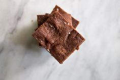After seeing how much you guys enjoyed the No Bake Cookie Dough Bites, I knew I had to recipe test more simple desserts. With busy schedules, it is nice to make a dessert that requires no baking, m. Vegan Gluten Free Brownies, Healthy Brownies, No Bake Brownies, Vegan Snacks, Healthy Desserts, Easy Desserts, No Bake Cookie Dough, No Bake Cookies, Dairy Free Recipes