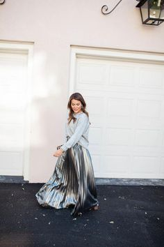 Holiday Outfit Idea via Glitter & Gingham / Eliza J Metallic Maxi Skirt / Clare V Leopard Clutch Black Pencil Skirt Outfit, Satin Pencil Skirt, Pencil Skirt Outfits, Denim Pencil Skirt, High Waisted Pencil Skirt, Pencil Skirts, Denim Skirt, Pencil Dresses, Maxi Skirts
