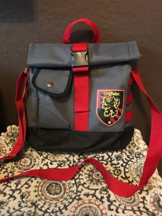Check it out Potter Heads! Harry Potter Items, Harry Potter Jokes, Harry Potter Hogwarts, Crates, Messenger Bag, Christmas Ideas, Satchel, Backpacks, Memes