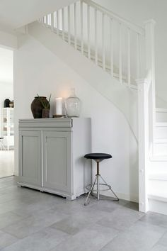 HALLWAY - white painted wood with Scandi grey furniture Hallway Inspiration, Home Decor Inspiration, Interior Styling, Interior Decorating, Nautical Interior, Beautiful Interior Design, House Stairs, Scandinavian Home, Stairways