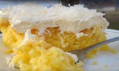 COCONUT PUDDING CAKE 1 package ounce or so) yellow cake mix 1 package ounce) vanilla or coconut instant pudding or pie filling 4 eggs Pineapple Cake, Pineapple Coconut, Crushed Pineapple, Pineapple Juice, Lemon Coconut, Coconut Cream, Coconut Oil, Coconut Pudding, Pudding Cake