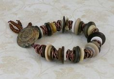 Bracelet made from Buttons, Seed beads & Copper chain (Tut)