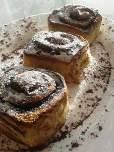 Békebeli kakaós csiga   Rupáner-konyha Hungarian Recipes, Hungarian Food, Banana Bread, French Toast, Breakfast, Sweet, Drink, Morning Coffee, Candy