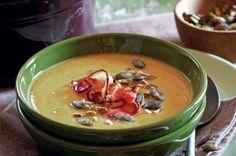 Polévka ze žlutého hrachu s mrkví | Apetitonline.cz Cheeseburger Chowder, Thai Red Curry, Chili, Soup, Pudding, Cooking, Ethnic Recipes, Desserts, Kitchen