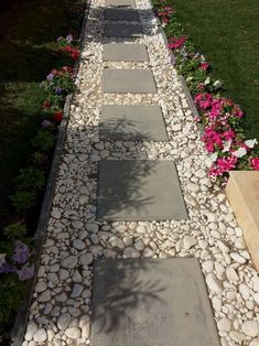74 Cheap And Easy Simple Front Yard Landscaping Ideas (33)  #LandscapingIdeas