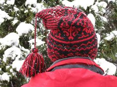 Ravelry: mgermain's Black and Red Swedish Dubbelmossa Hat