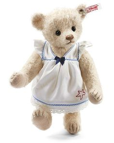 Who doesn´t like to play by the sea? Steiff June Teddy Bear EAN 035951 is ready to take her pail to the shore and build sand castles. Steiff Teddy Bear, My Teddy Bear, Bear Clipart, Teddy Bear Pictures, Teddy Bear Clothes, Annette Himstedt, Nautical Dress, Charlie Bears, Imaginative Play