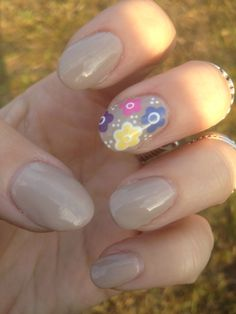 Nude Floral Nail Art
