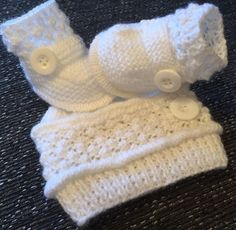 New Unisex 2 Piece Set White Baby Booties & Hat Newborn Knitted By Annie | eBay