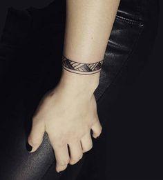wrist band tattoo kol bandı bilek dövmesi