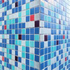 Kölle Alaaf :: Machabäerstraße :: Carreau de Cologne #carreaudecologne #tilesofcologne #koelschefliesen #fliesen #tiles #carrelage #ihavethisthingwithtiles #tileaddiction #ihaveathingforwalls #köln #kölle #cologne #kunibertviertel #hiddencologne #thisiscologne #koelnergram #365cologne #koelscheecken #liebedeinestadt #kölnarchitektur #colognearchitecture #architecture #facade #texture #minimalism #grid #vscocam #vscogermany #köllealaaf by carreau_de_cologne