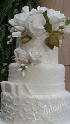 Bolo casamento em pasta americana