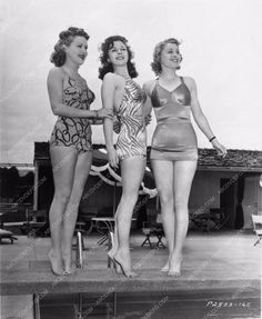 photo Susan Hayward Betty Grable bathingsuits 3162-33