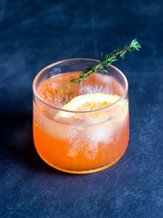 The Spring Thyme Spritzer is a perfect spring cocktail. A light and refreshing gin and grapefruit based drink, it's easy to mix up at home. Colorful Cocktails, Festive Cocktails, Spring Cocktails, Summer Drinks, Cocktail Drinks, Fun Drinks, Cocktail Recipes, Gin Based Cocktails, Cocktail Ingredients