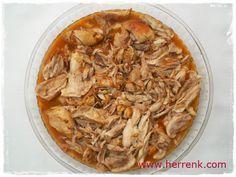 Düdüklüde Tavuk Tandır Kebabı (Su Eklemeden)-düdüklüde tandır kebabı,tavuklu yemekler,düdüklü tencere yemekleri, düdüklü tencerede neler pişer,kolay tandır kebabı,susuz tandır,tavuk tandır kebabı,tavuk tandır nasıl yapılır,pratik tavuk yemekleri, Turkish Recipes, Ethnic Recipes, Turkish Delight, Apple Pie, Chicken Recipes, Pork, Pasta, Meat, Cooking