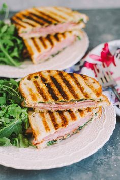 croque monsieur paninis Cheesy Recipes, Quick Recipes, Quick Meals, Healthy Recipes, Delicious Recipes, Girls Night Appetizers, Starting A Food Truck, Wrap Sandwiches, Easy Salads