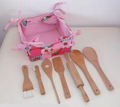 Strawberry Shortcake Childs Kitchen - WOODEN UTENSILS - Lot 12