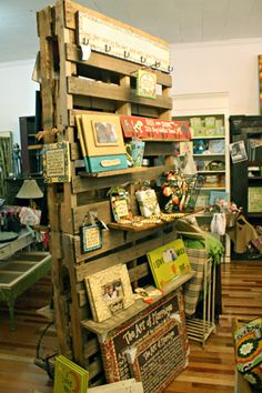 1000 images about trade show on pinterest pallet walls for How to display wood signs at craft show