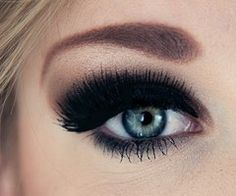 Make-up and Henna / Fancy Eyes?