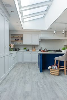 The Foxhills Kitchen is an example of a handcrafted Shere Kitchen to show the craftmanship of our work and give you ideas for your bespoke kitchen Smeg Range, Handmade Kitchens, Bespoke Kitchens, Farrow Ball, Can Design, Food Prep, New Room, Beautiful Kitchens