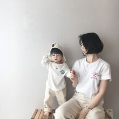 Cute Couple Outfits, Family Outfits, Baby Boy Outfits, Father And Baby, Mom And Baby, Baby Kids, Cute Asian Babies, Korean Babies, Couple With Baby