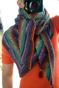 explications châle enveloppant Tricot Rose, Tricot Crochet, Tricot Enfant,  Couture Tricot, Laine 3692a9c8676