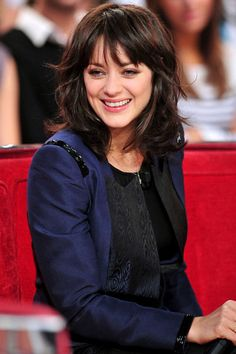 """Marion Cotillard Photos - Real-life couple Marion Cotillard and Guillaume Canet appear together for a taping of """"Vivement Dimanche. - Marion Cotillard and Guillame Canet at a Taping Hairstyles With Bangs, Trendy Hairstyles, Marion Cotillard Hair, Marion Cottilard, Hair Day, New Hair, Medium Hair Styles, Short Hair Styles, Long Bob With Bangs"""