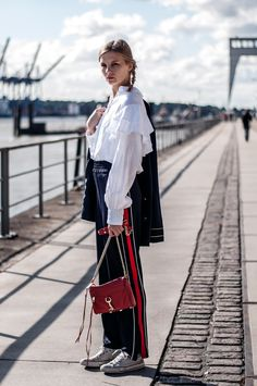 maritime blazer, navy blue, volant blouse, jogging pants with stripes, mini mac by rebecca minkoff in red, converse chucks white low - Outfit, Streetstyle, Hamburg, Blogger