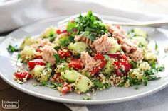This delicious healthy chicken salad recipe is the best! Enjoy this easy salad on it on it's own or have it as a healthy chicken salad sandwich for lunch! Easy Greek Salad Recipe, Greek Salad Recipes, Chicken Salad Recipes, Healthy Chicken, Chicken Tacos, Vinaigrette, Orzo, Muesli, Pinot Noir