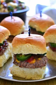 Beef Sliders with Jalapenos Best Broccoli Salad Recipe, Broccoli Cauliflower Salad, Fresh Broccoli, Salad Recipes, Honey Mustard Dressing, Beef Sliders, Good Burger, Love Eat