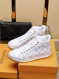 Louis Vuitton Lv New Men Shoes 18059955283 Source by vincentwetterli vuitton shoes Louis Vuitton Mens Sneakers, Louis Vuitton Suitcase, Lv Sneakers, Louis Vuitton Shoes Sneakers, Best Sneakers, Sneakers Fashion, Lv Men Shoes, White Shoes Men, Men's Shoes