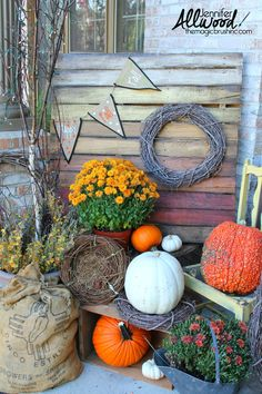 ombre painted pallet for fall porch decor