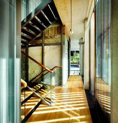 Sentosa House by Nicholas Burns | wohoo the lighting is so gooood,,