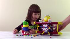 Funny kid's video самолет и много конфет