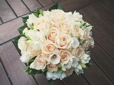 White and pink wedding bouquet Beautiful Bouquet Of Flowers, Amazing Flowers, Beautiful Roses, Beautiful Flowers, Floral Flowers, Bouquet Flowers, Peach Flowers, Pretty Roses, Summer Flowers