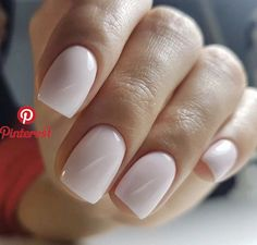 On average, the finger nails grow from 3 to millimeters per month. If it is difficult to change their growth rate, however, it is possible to cheat on their appearance and length through false nails. Cute Nails, Pretty Nails, Milky Nails, Nagellack Trends, Neutral Nails, White Gel Nails, Blush Nails, Dipped Nails, Stylish Nails