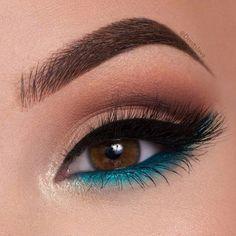 Eyeshadow make-up palette quality makeup makeup glasses makeup eyeshadow Black Eyeshadow Makeup, Makeup Eye Looks, Makeup For Green Eyes, Blue Eye Makeup, Fall Makeup, Eyeshadow Palette, Natural Eyeshadow, Hooded Eye Makeup, Blue Eyeshadow For Brown Eyes