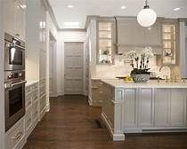 Awesome Should White Kitchen Cabinets Match Trim Fantastic The Timeless Allure Of A Black & White Kitchen – Kitchen Trends Picture Should White Kitchen Cabinets Match Trim Contemporary Kitchen Cabinets, Grey Kitchen Cabinets, Painting Kitchen Cabinets, Kitchen Flooring, Kitchen Island, Sherwin Williams Amazing Gray, Crown Moulding Kitchen Cabinets, Kitchen Colors, Kitchen Design