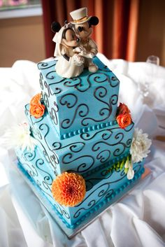 Disney Wedding Cake. I love this cake. The colors are gorgeous and I love that its simple.