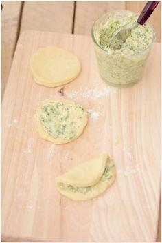 Pain brioché au beurre d'ail et persil ( façonnage feuillets)