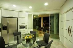 Arquiteto Aquiles Nícolas Kílaris - Parceiro do Construindo Minha Casa Clean! Casa Clean, Divider, Room, Furniture, Home Decor, Organic Shapes, Bud, Achilles, Houses
