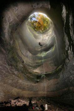 Neversink Pit Sinkhole is located near Scotsboro, Alabama
