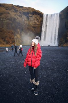 Travel Diary: Iceland – Southern Curls & Pearls Source by rgoldi outfits snow Winter Outfits Women, Summer Outfits, Cute Outfits, Ski Outfits, Winter Wear, Autumn Winter Fashion, Mens Winter, Fall Fashion, Red Puffer Coat