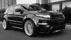 Range rover evoque  harmann  design //  full black//  love this car