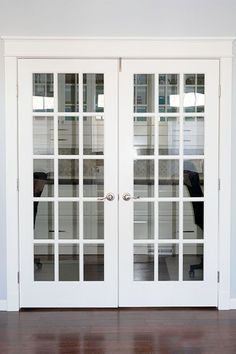 How to paint French Doors using a paint sprayer and masking liquid. This project will go quicker with a sprayer and some helpful tips. French Doors With Screens, French Doors Patio, Patio Doors, Windows And Doors, Doors With Glass, Door With Window, Internal French Doors, Double Doors, Entry Doors
