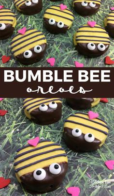 Bumble Bee Oreos recipe for kids. Perfect cookies for Spring.