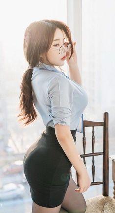 Pretty Asian, Beautiful Asian Women, Cute Asian Girls, Cute Girls, Sexy Outfits, Cute Japanese Girl, Asian Woman, Korean Girl, Asian Beauty