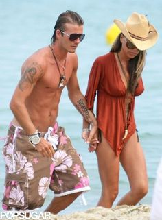 Pin for Later: 39 Pictures That Prove David and Victoria Beckham's Love Just Won't Quit The couple took a Saint-Tropez vacation together in June David E Victoria Beckham, Victoria And David, Victoria Beckham Outfits, Victoria Beckham Style, Saint Tropez, Vogue Fashion, Look Fashion, Womens Fashion, Autumn Fashion