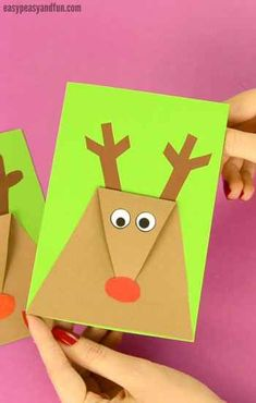 Reindeer Christmas Card via Easy Peasy and Fun || One of 10 amazing Christmas crafts kids can make for teachers, grandparents and friends! Super easy and very impressive looking! || Christmas Cards Kids Can Make: 10 More Inspiring Ideas! || Another fun Christmas post from Letters from Santa Holiday Blog